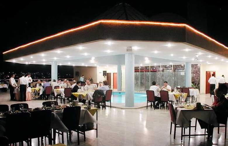 Grand Hotel Gaziantep - Terrace - 8