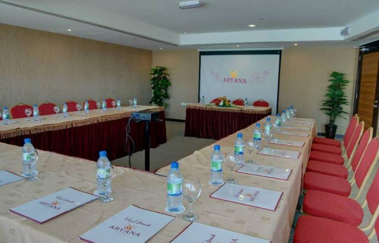 Aryana - Conference - 10