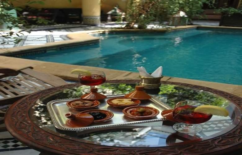 Riad Maison Bleue & Spa - Pool - 4