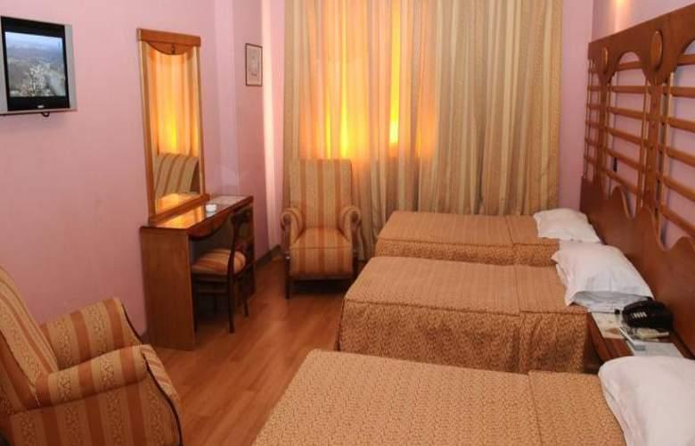 Rembrandt Hotel - Room - 8