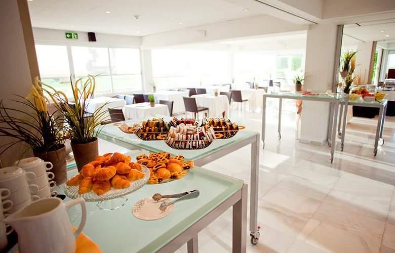 Best Western Hotel Subur Maritim - Restaurant - 102