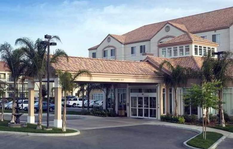 Hilton Garden Inn Bakersfield - Hotel - 0