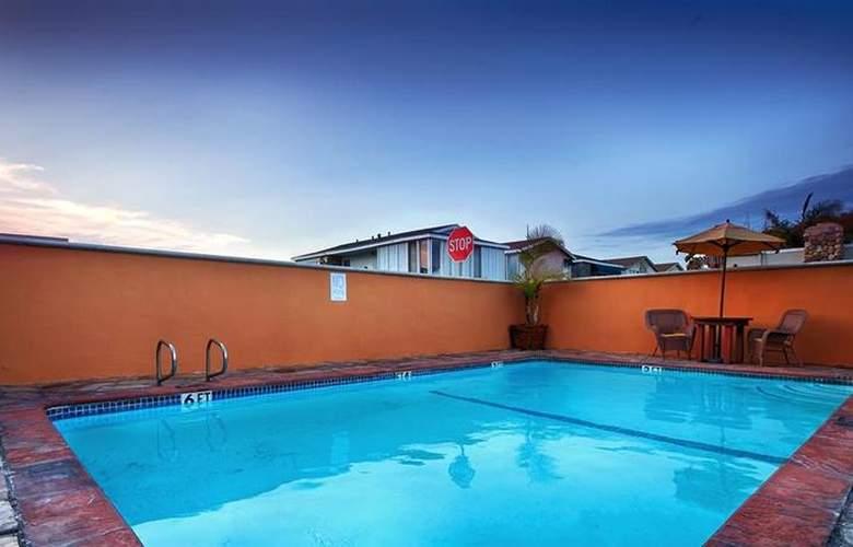Best Western Newport Beach Inn - Pool - 45