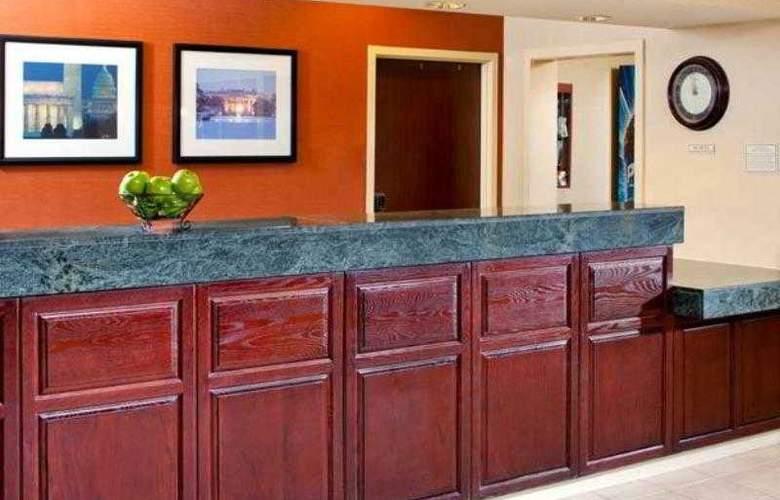 SpringHill Suites Herndon Reston - Hotel - 3