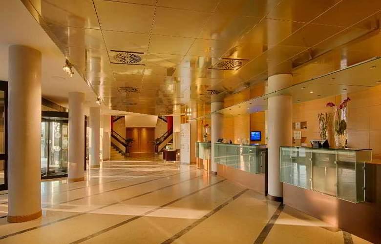 NH Bologna Villanova - Hotel - 11