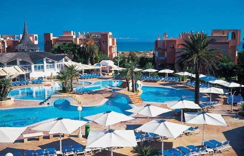 Oliva Nova Beach & Golf Resort - Pool - 12