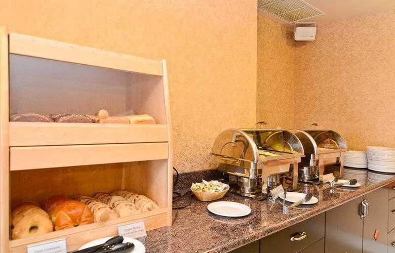 Best Western Plus Pocaterra Inn - Hotel - 17