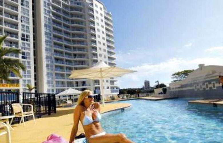 Mantra Twin Towns - Pool - 10