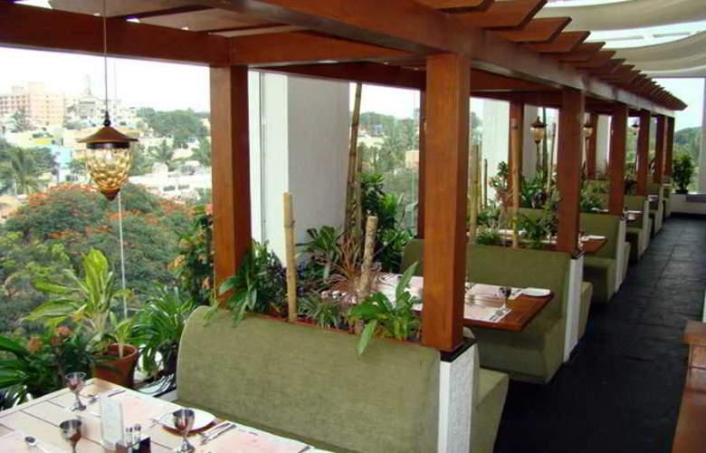 Aurick Hotel - Restaurant - 23