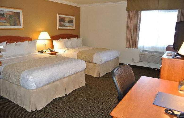 Best Western Town & Country Hotel - Hotel - 24