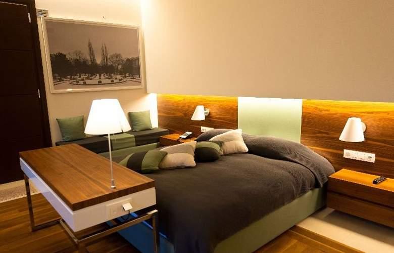 12 Months Luxury Resort - Room - 1