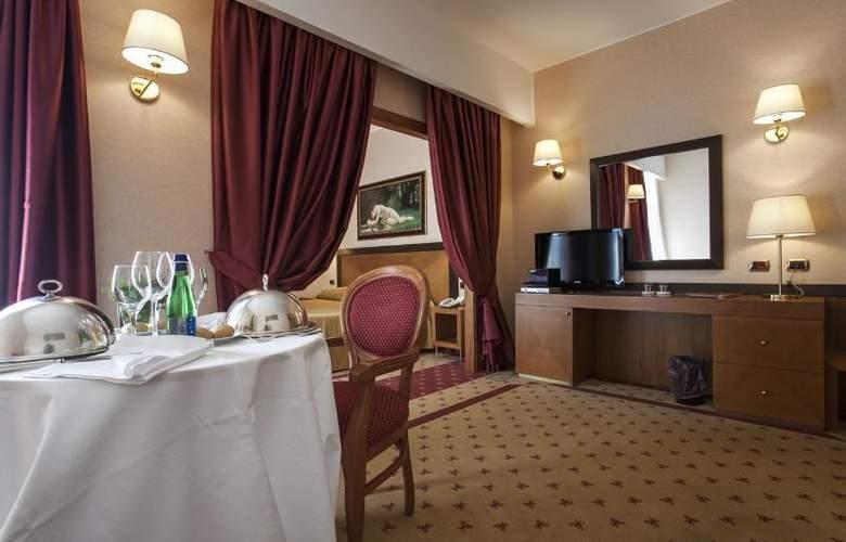 Grand Hotel La Chiusa Di Chietri - Room - 12