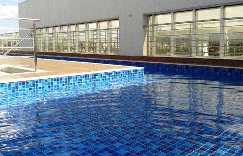 San Diego Mid Suite Aeroporto - Pool - 1