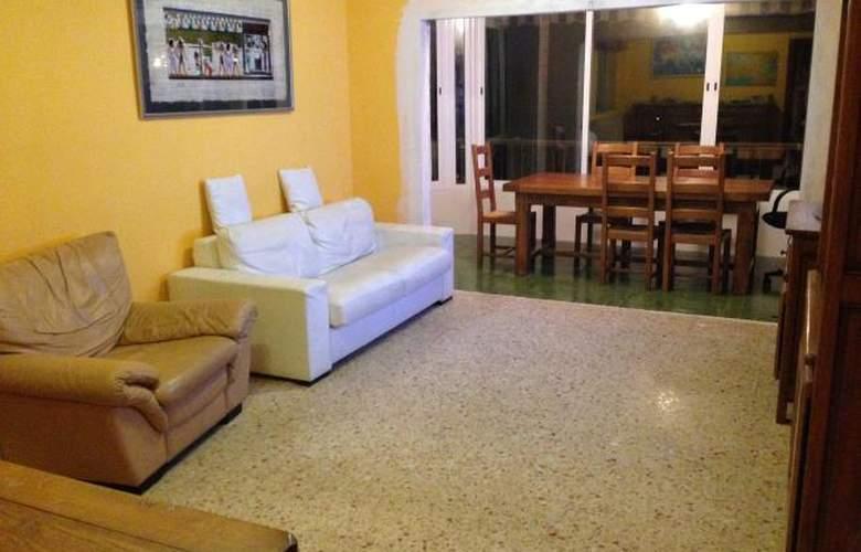 Apartamentos Gandia Low Cost sin piscina 3000 - Room - 0