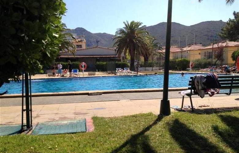 Agi Rescator Resort - Pool - 8