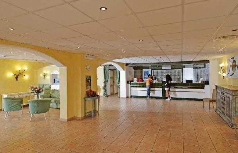 La Plage Noire Hotel & Resort - General - 3