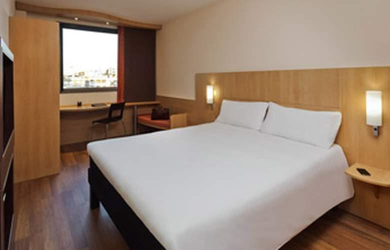Ibis Barcelona Centro (Sagrada Familia) - Room - 2