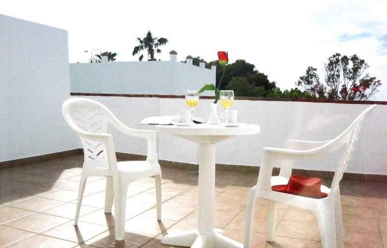 Oasis Atalaya - Terrace - 23