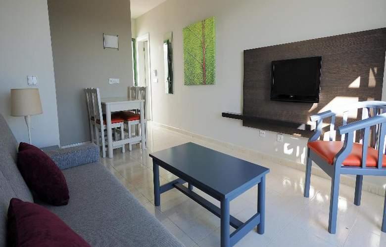 Cay Beach Sun - Room - 11