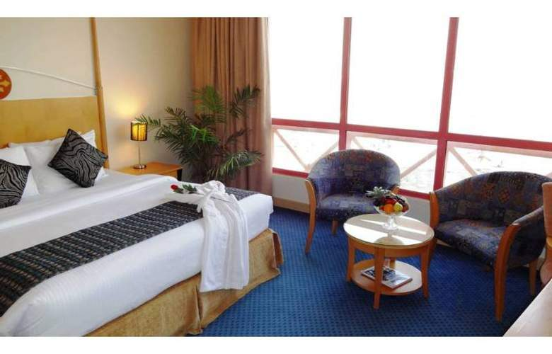 Days hotel -Marine Tower - Room - 0