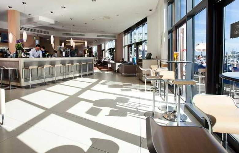 Radisson BLU Waterfront Hotel - Bar - 6