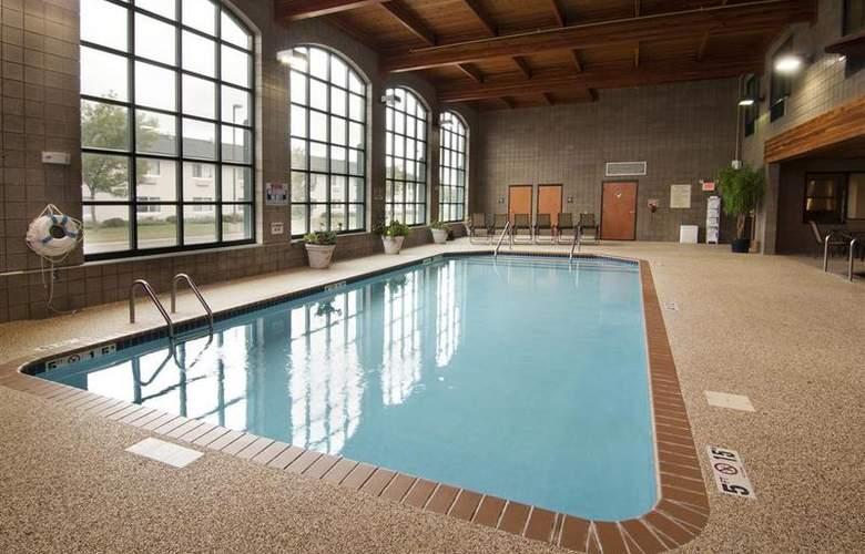 Best Western Plus Coon Rapids North Metro Hotel - Pool - 63