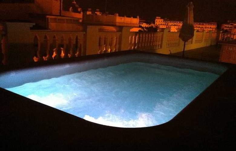 Del Carmen - Pool - 7