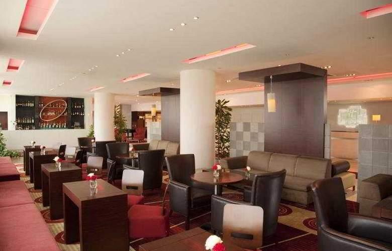 Holiday Inn Sofia - Bar - 6