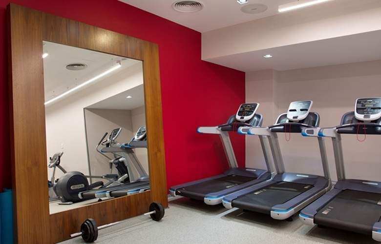 Hilton Garden Inn Ufa Riverside - Sport - 5