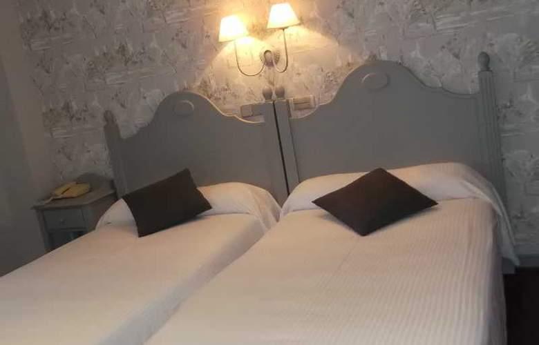 Comillas - Room - 8