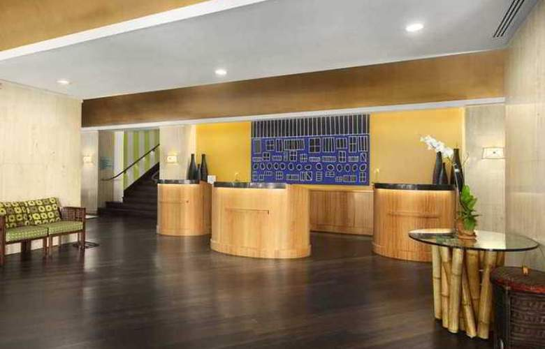 Embassy Suites Tampa - Airport - Westshore - Hotel - 2