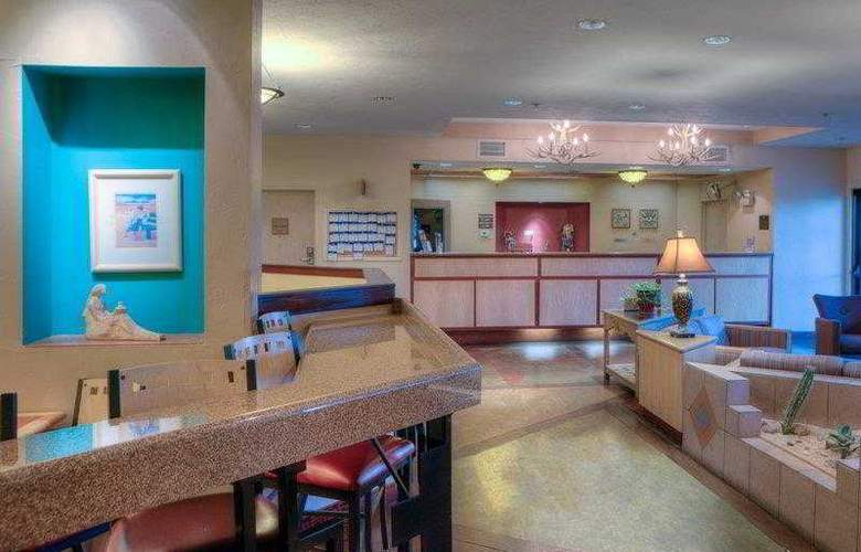 Best Western Plus at Lake Powell - Restaurant - 36