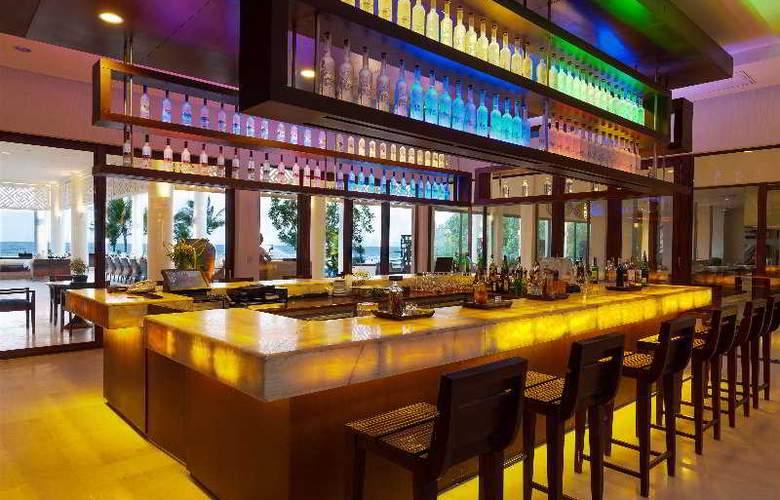 Princess dAnnam Resort and Spa - Bar - 33