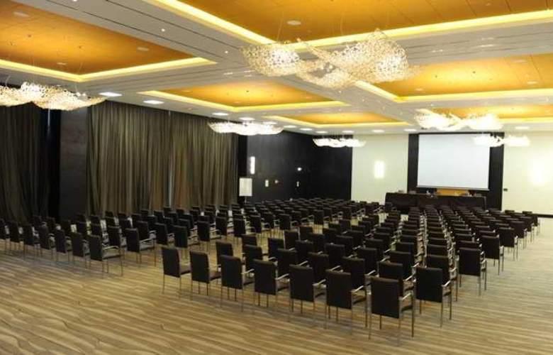 Epic Sana - Conference - 19