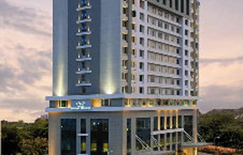 Aditya Sarovar Premiere - Hotel - 0