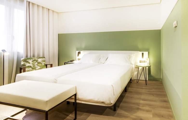 Sercotel Acteon Valencia - Room - 9