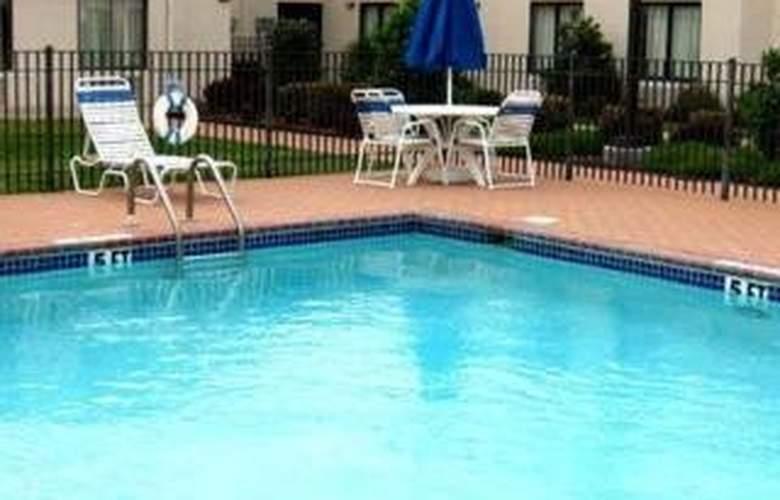 Sleep Inn (Betonville) - Pool - 3