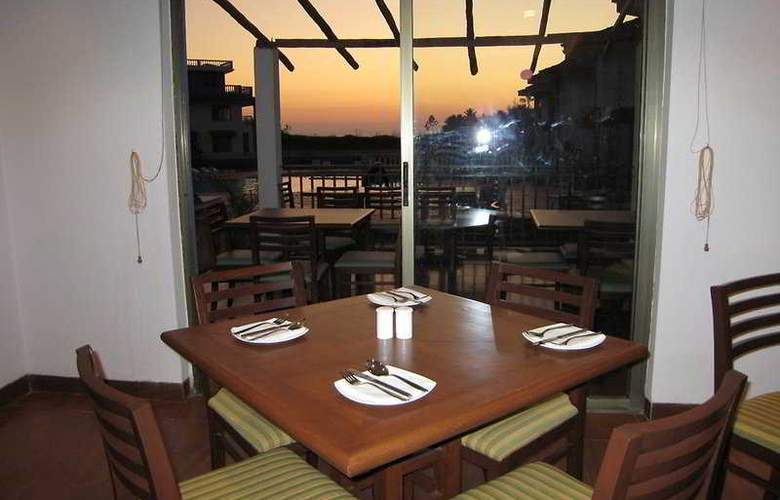 Baywatch Resort-Goa - Restaurant - 9