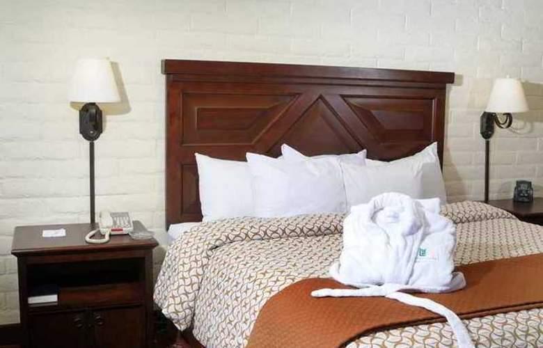 Embassy Suites Tucson Williams Center - Hotel - 4