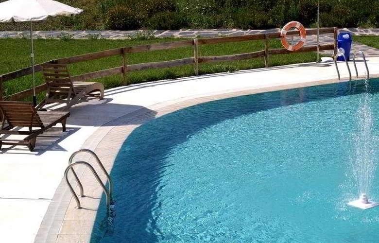 Hospederia Conventual de Alcantara - Pool - 9