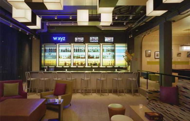 Aloft Hotel Chennai - Bar - 3