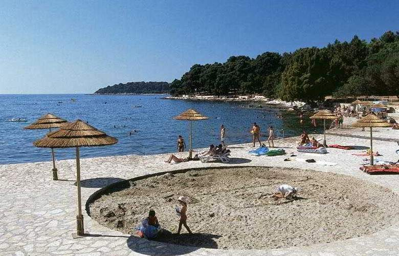 Valamar Crystal - Beach - 6