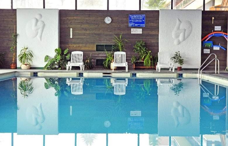 Residence Maeva Le Mont d´Arbois - Pool - 2