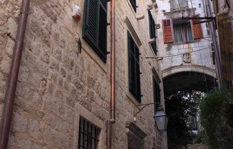 Celenga Apartments - General - 1