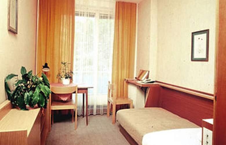 Academia - Room - 2