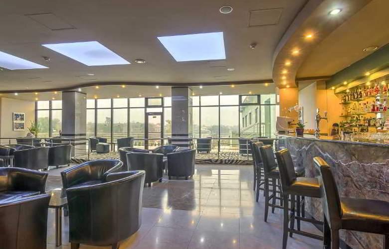 Mirage Snagov Hotel resort - Bar - 9