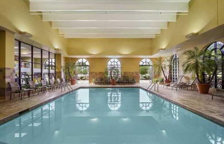 Embassy Suites Greenville Golf Resort - Hotel - 3