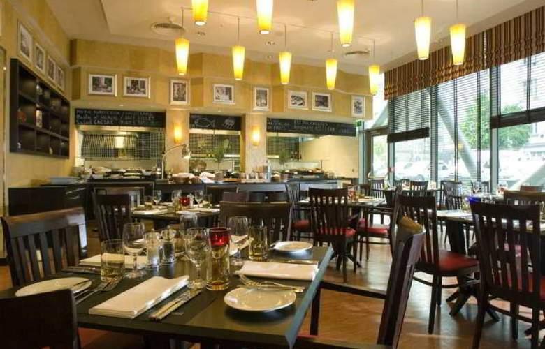 Courtyard By Marriott Flora - Restaurant - 6