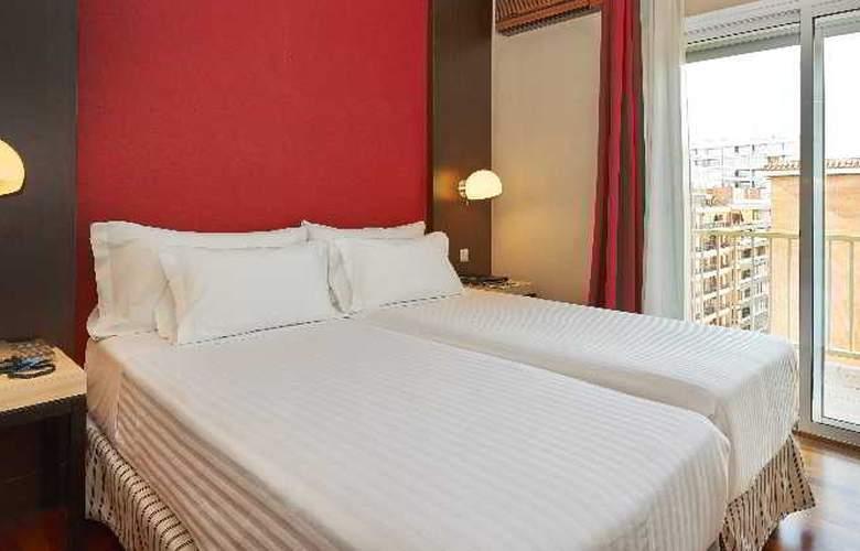 NH Barcelona Les Corts - Room - 7