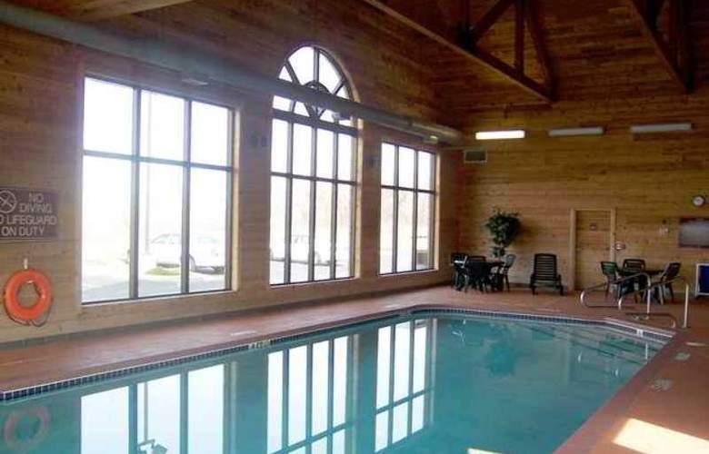 Hampton Inn & Suites Toledo-North - Hotel - 12
